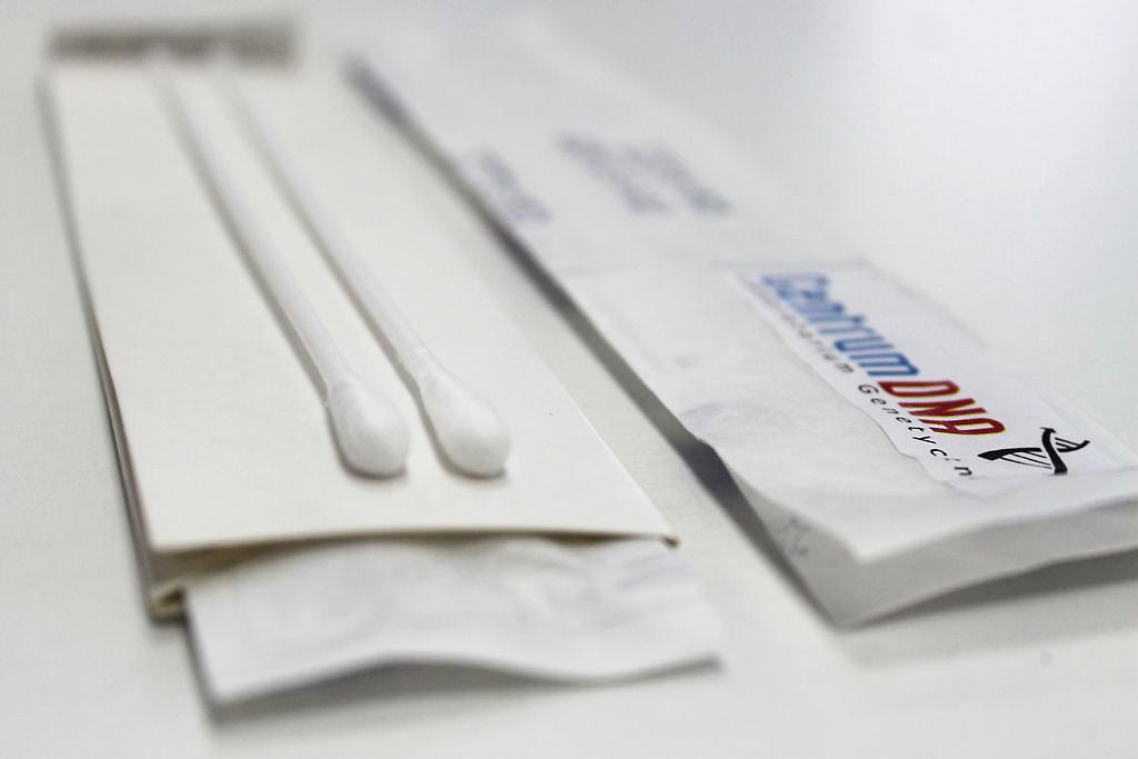 zestaw do badania DNA na ojcostwo, zestaw do wymazu, zestaw do testu na ojcostwo